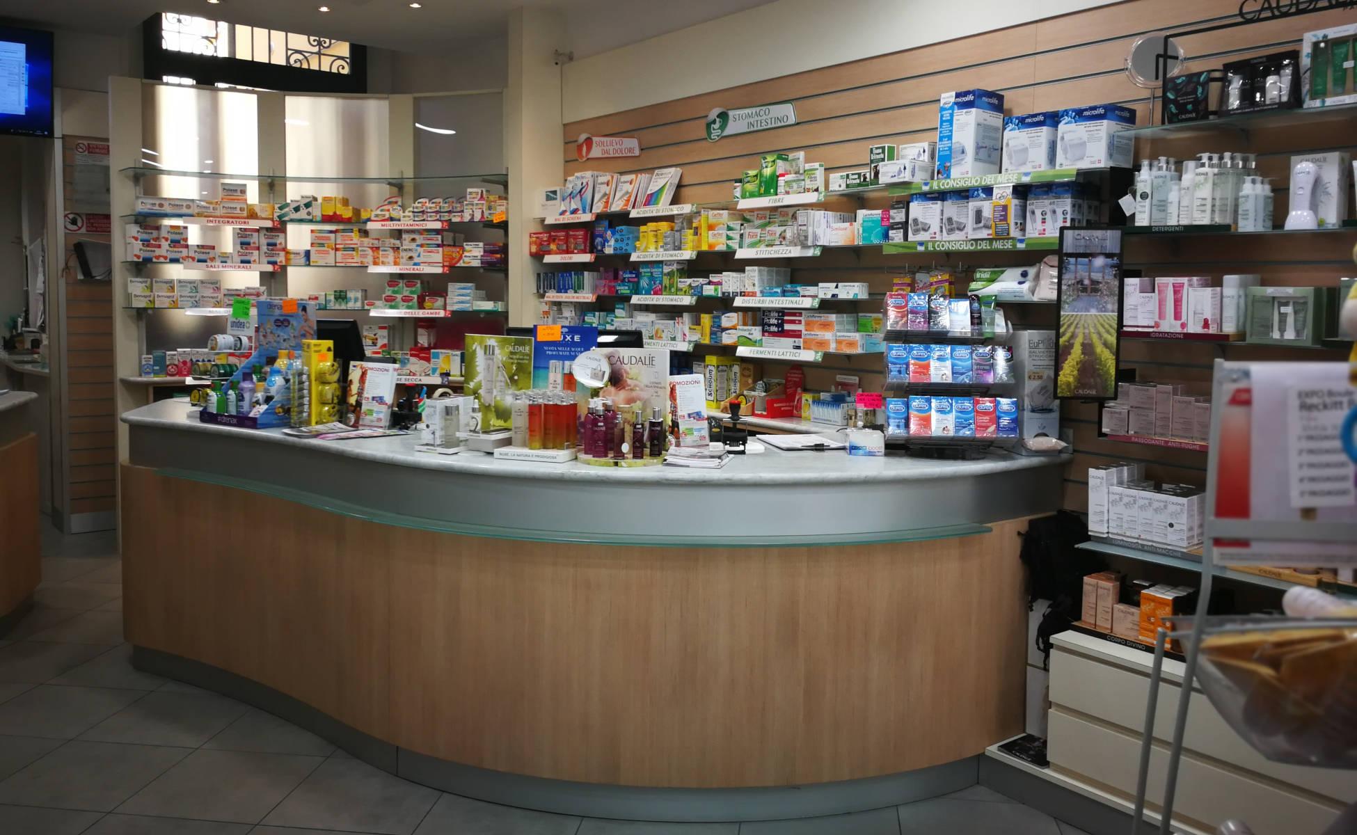 Farmacia Negrini Finale Emilia interni